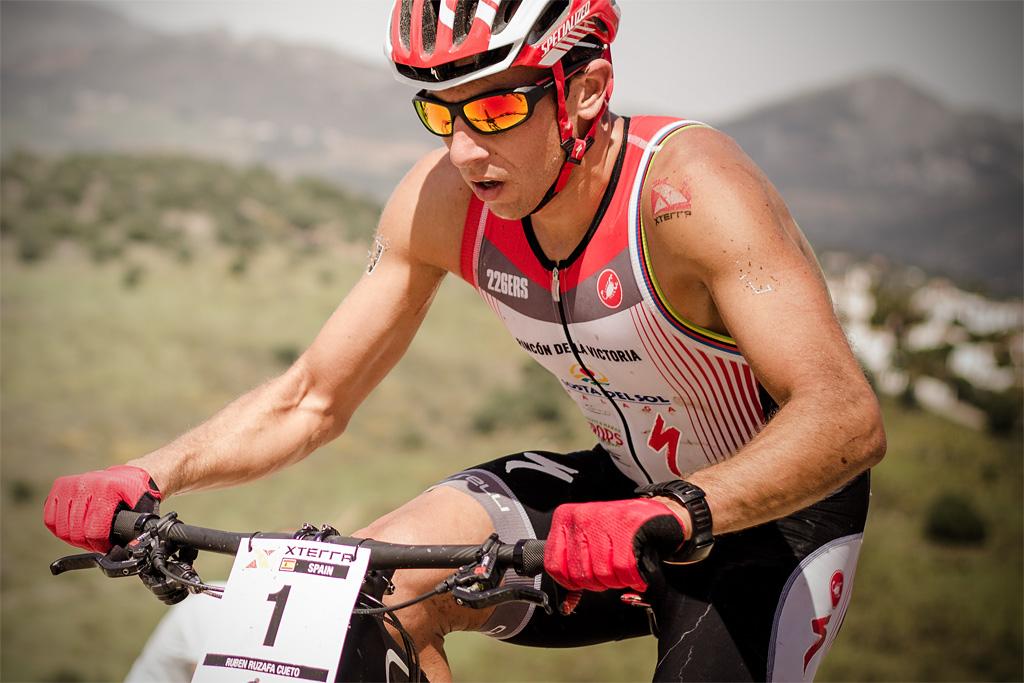 Rubén Ruzafa Campeón del mundo Xterra con gafas de sol Roberto Foto: Marcos Lachnowicz