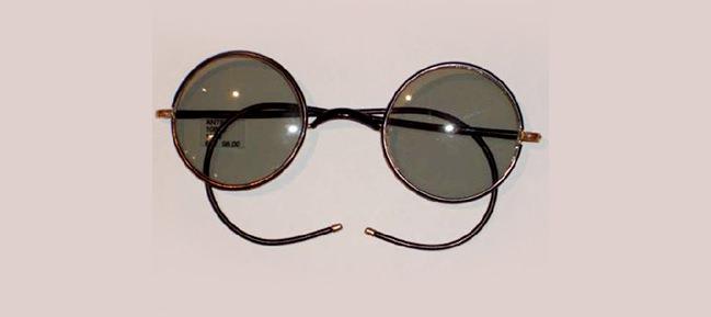 Primeras gafas de sol modernas