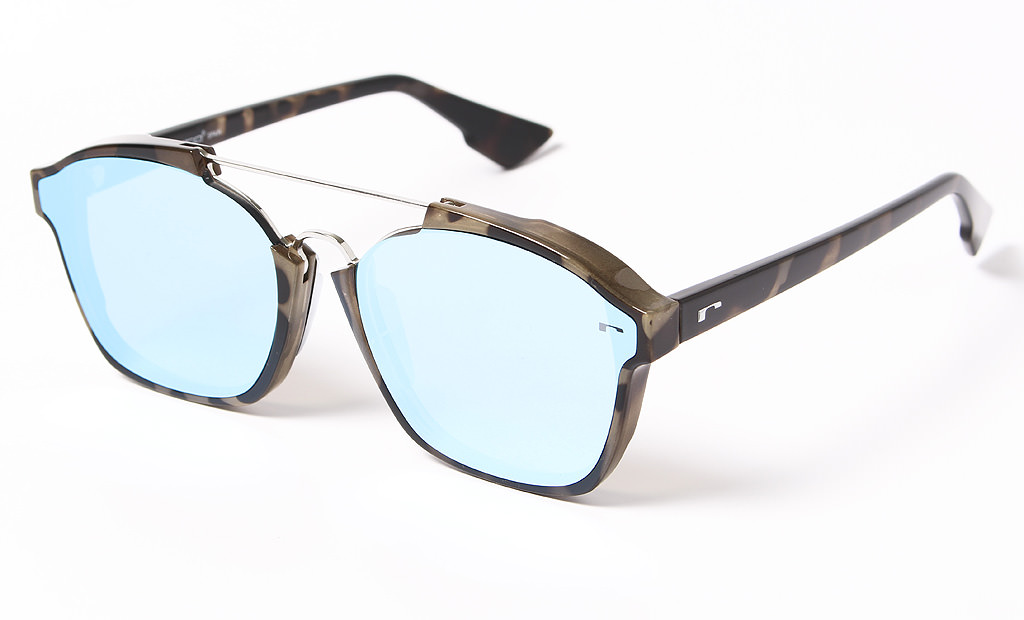 015fa400da Compra aqui tus Gafas de sol Roberto Luxury RL0447