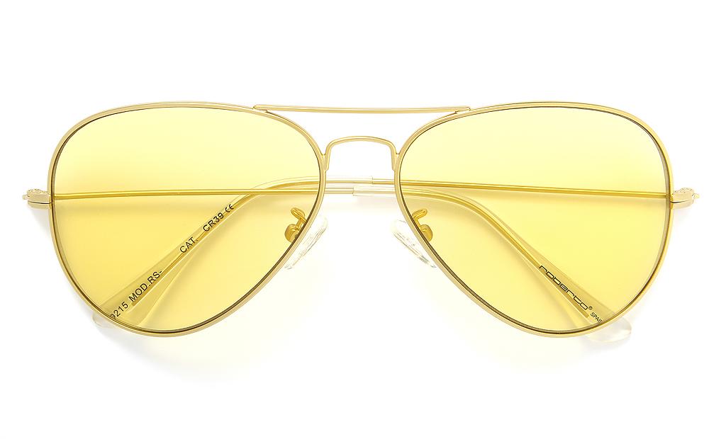 En Roberto Sunglasses ampliamos nuestra colección con las gafas de sol de  lentes transparentes en diversos colores. Un modelo retro e inspirador al  que ya ... f79d02f669