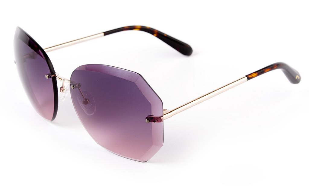 f1b8246d3a Menos extravagantes de lo que pueden parecer en un principio, las gafas de  sol geométricas de lentes de nylon octogonales son las más deseadas gracias  a ese ...