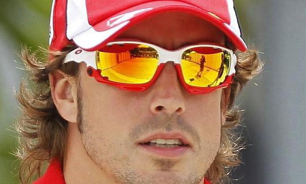 Fernando Alonso con Oakley Jawbone